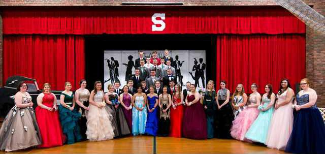 Shullsburg Jr. Prom Class Photo